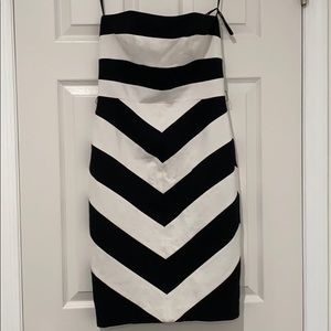 NUE by Shani US 4. Black & white strapless